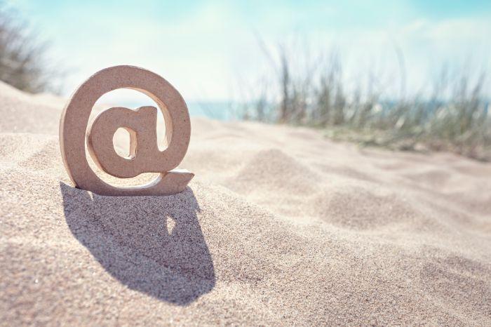 estructura de un email